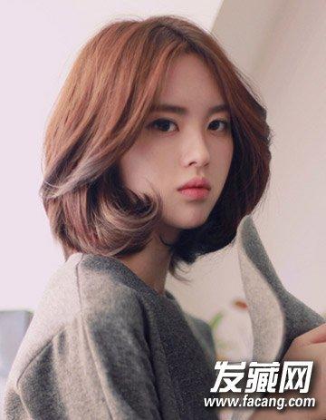 秋季流行发型图片 空气刘海与时尚中长发烫发(3)图片
