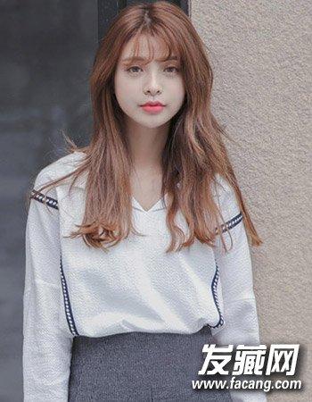 韩式中长发微烫发型 剪个半透明刘海萌化了图片