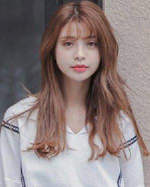韩式中长发微烫发型 剪个半透明刘海萌化了
