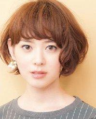 2015女生短发发型图片 12款美过长发