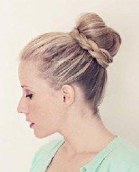 丸子头&麻花辫 超美的花苞头发型