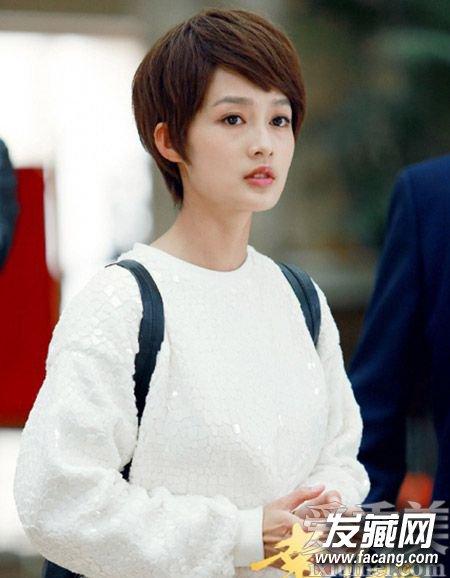 《幸福归来》李沁发型 斜刘海短发清新(3)
