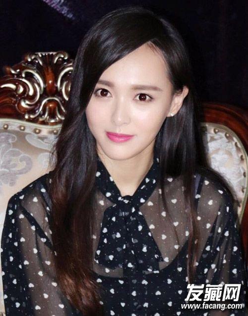 学杨幂郑爽扎减龄苹果头 →迪丽热巴成中国版她很漂亮女主 发型美过杨