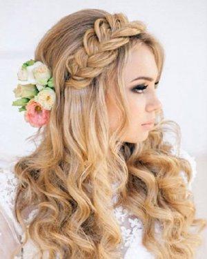 发型也要头饰配 好看新娘发型推荐
