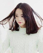 甜美中分中长发梨花头发型 最新设计教你看发型挑发色