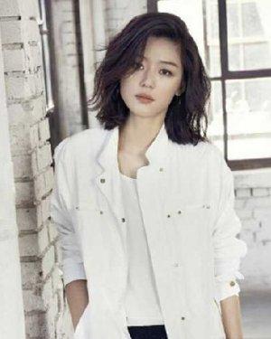全智贤、朴智妍倾情演绎 韩国烫卷的lob发型