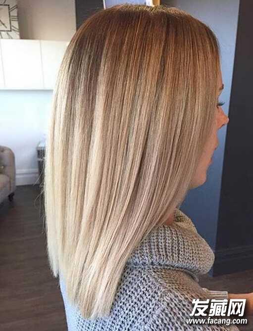 3,经过拉直处理的lob发型,稍长的头发,发尾的渐变,这样出来的效果还挺