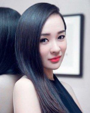 【冬季长发盘发】_发型图片大全
