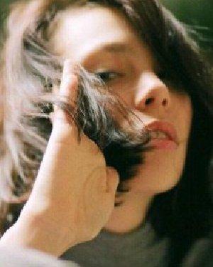 快速吹干头发的方法 冬天真的很实用!