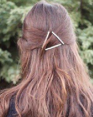 冬季发型搭配:正三角+披肩长发编发超有吸引力!