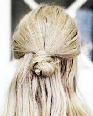 冬天长发不知道怎么扎 快来试试这10款慵懒发型吧