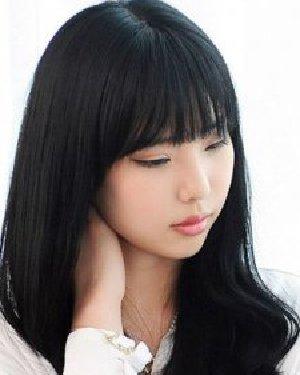 适合校园妹子的齐刘海发型 甜美百搭更瘦脸