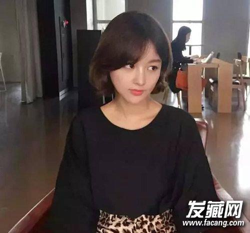 10款人气发型拿走不谢(3)  导读:一款极具韩式风格的短发 烫发发型图片