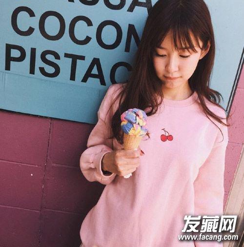 长 直发  碎 刘海 甜美清新,巧克力色 染发 颜色搭配粉色还是很可爱