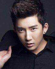 没有刘海也诚博娱乐官网的短发 帅气男生子弹头的设计