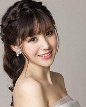 齐刘海新娘发型推荐,编发、长发、短发、盘发均上线