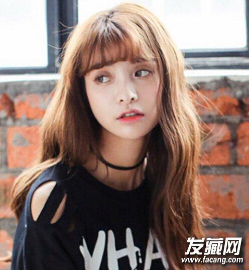 【图】美眉演绎空气刘海发型图片一秒变嫩!