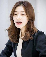 圆脸适合的发型图片 韩式中分刘海发型