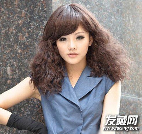 【图】蓬松俏皮又灵动的小卷发型图片_卷发发型图片图片
