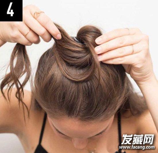 半扎丸子头发型扎法图解 半丸子头的扎法图解(3)