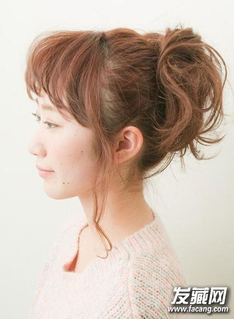 双马尾甜美清新发型 3款简单易上手的扎发教 →最新短发扎法大全 3