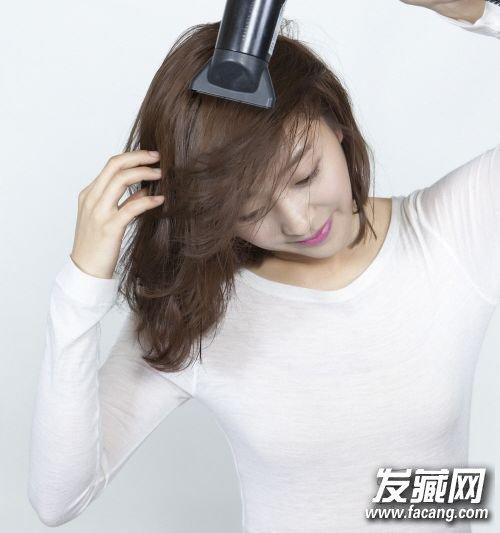 发型设计师的功力再强,自己懒惰的话还是没有办法有型的,而吹干头发这