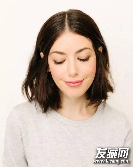 发型网 女生发型 女生短发发型 > 短卷发搭配空气刘海 小清新韩范儿图片