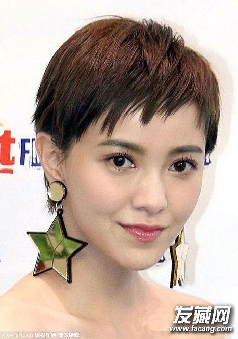 中分短卷发发型 →2016瘦脸中短发发型
