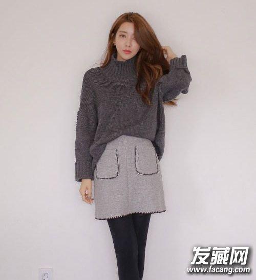 韩式微卷发发型,空气感十足的长发很显女人味,配上s型斜刘海星味