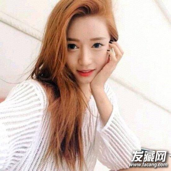 女生圆脸什么发型好看 甜美的长发梨花头发型(4)图片