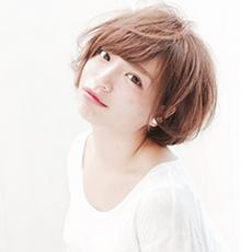 圆脸短卷发发型 造型可爱萌萌哒