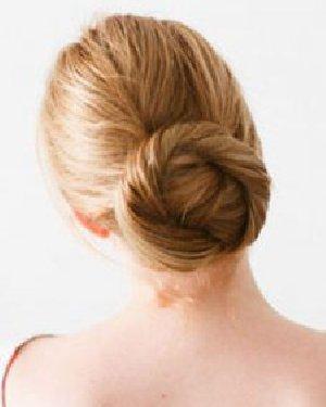春季出游头发怎么扎 3款仙气发型正流行
