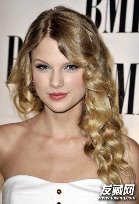 可爱又好看的水波纹烫发发型图片欣赏