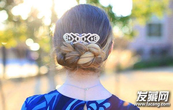 三八节梳一款高发髻盘发 做自己的女王! 春季盘发