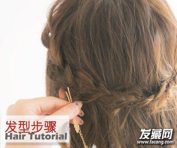 编发更实用 短发怎么扎简单好看(4)  导读:最后一步用类似项链的两头