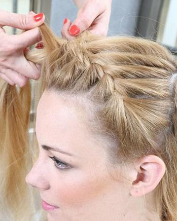 6步搞定蜈蚣辫盘发 长发如何梳一款简单好看的盘发