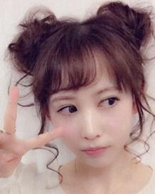 可爱双边丸子头 日系萌妹很爱的发型,