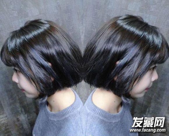 浅灰蓝挑染发色 低调的灰蓝色挑染,加强了 发型 轮廓,同时让头