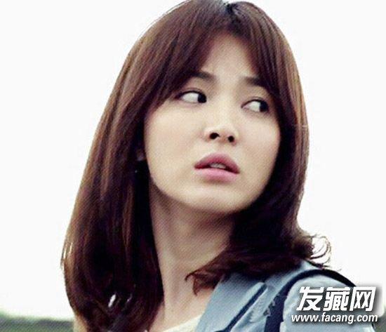 少女力max!宋慧乔八字刘海 半扎发好减龄(3)