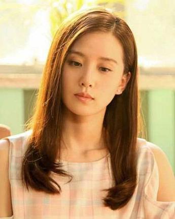 刘诗诗婚后越来越美 发型对比更有女人味