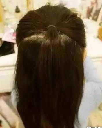 """""""六一""""小女孩发型绑扎方法 法式编发大人也能扎呢"""