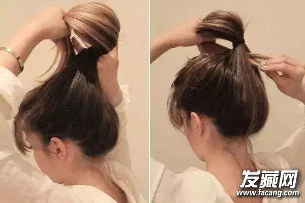 先将头顶部分的头发倒梳打蓬松一些,然后抓起全部头发扎成高马尾,注意