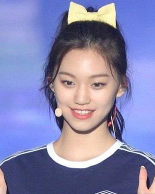 韩国女孩都在扎的高马尾图解 高马尾怎么扎