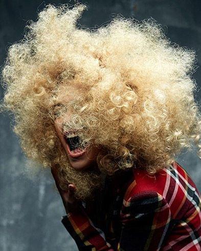 发量多的妹子如何快速吹干头发?