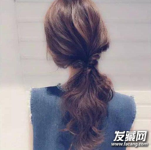 导读:夏季长发怎么扎好看7 夏季必备的编发发型,三股辫在不同位置图片