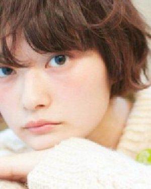 飘逸的长发女神范儿十足 女生最爱的18款短发发型推荐