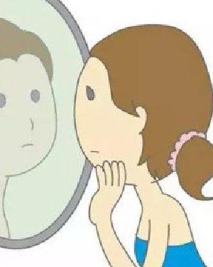 日本网站评出5款显老的发型 没有光泽和分量的长直发