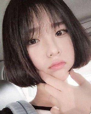 齐头帘的短发是她的标志 短发发型图片设计