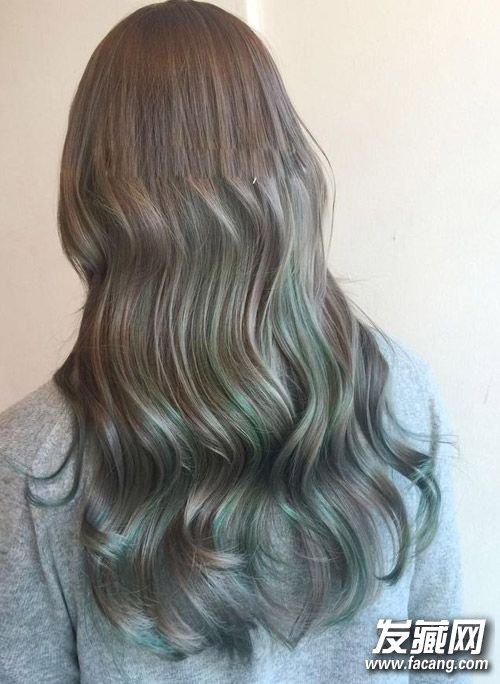> 夏季好看渐变色头发分享 渐变色头发图片女(2)  导读:灰色渐变青色