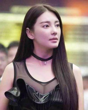 张雨绮才是发型界的大姐大 18款造型不重样!图片